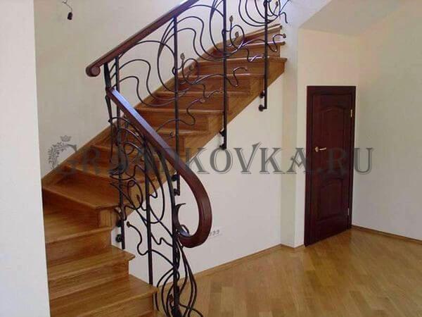 Фото лестницы на металлическом каркасе 4
