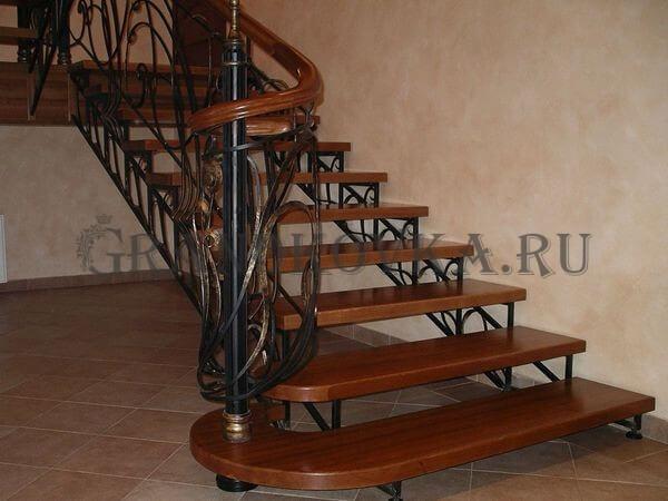 Фото лестницы на металлическом каркасе 5
