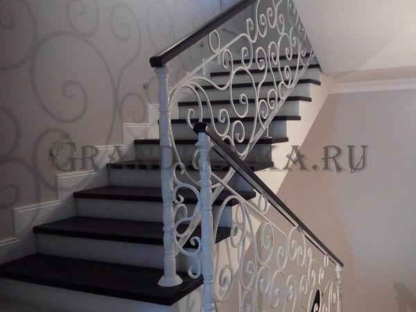 Фото лестницы с поворотной площадкой 4