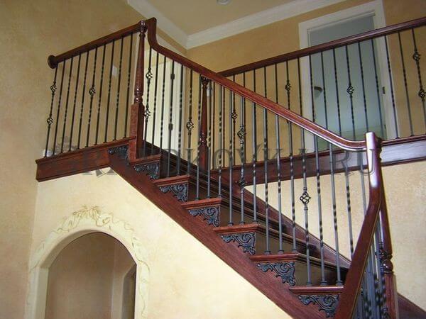 Фото лестницы с поворотной площадкой 7